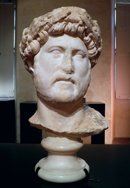 Marble head with laurel wreath - Mixed portraiture type: Baiae & Imperatori 32 (currently in storage at the Louvre, Paris)