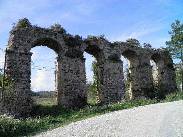 Aqueduct near Seleukeia (Lyrbe) © Carole Raddato