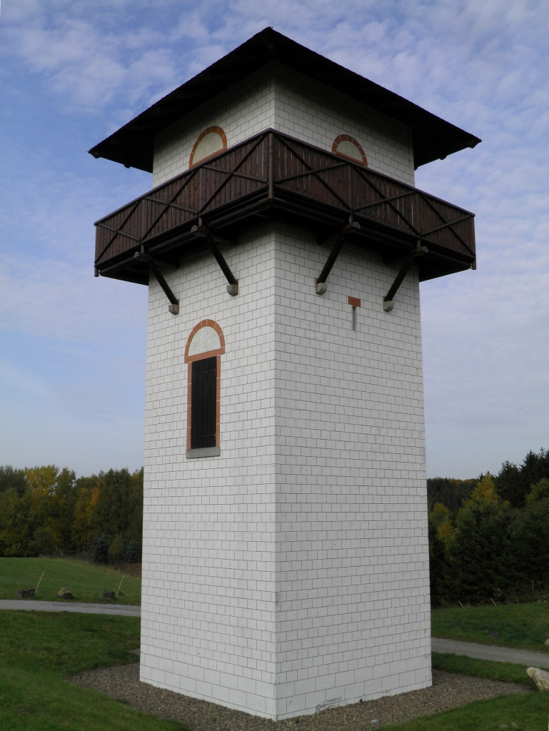 WP 1/68 - Reconstructed three-floored watchtower near Hillscheid