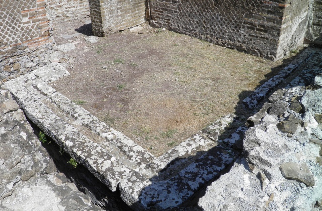 Multi-seat latrines in the Hospitalia of Hadrian's Villa. They were designed for people of differing social class (the Emperor and his guests had single-seaters).
