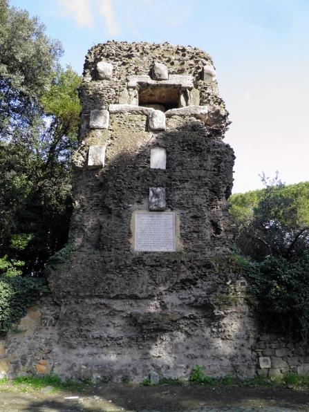Torre di Capo di Bove (towerlike tomb) © Carole Raddato
