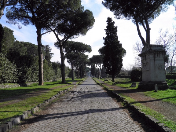 A stretch of the Via Appia and the tomb of Gaius Rabirius Postumus Libertus and family, Via Appia © Carole Raddato