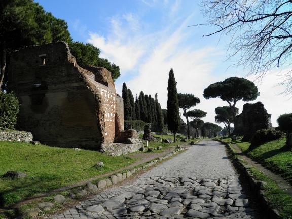 A stretch of the Via Appia at mile V and a temple sepulcher, Via Appia © Carole Raddato
