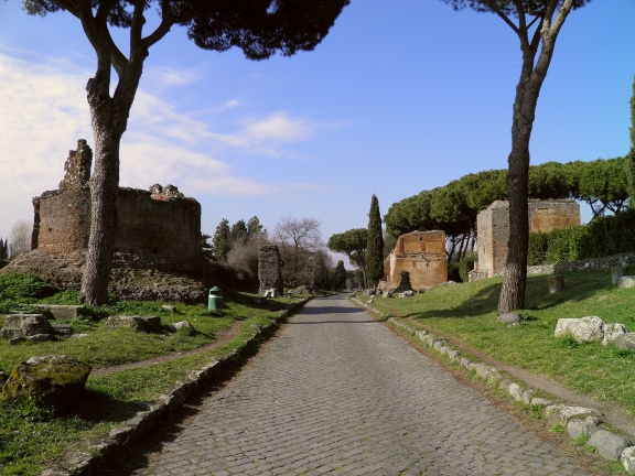 A stretch of the Via Appia at mile V and a round mausoleum with medieval tower, Via Appia © Carole Raddato