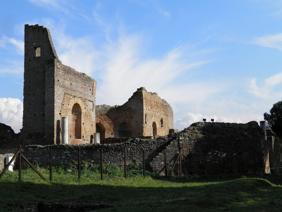 The nimphaeum of the Quintili Villa which served as the entrance, Via Appia © Carole Raddato