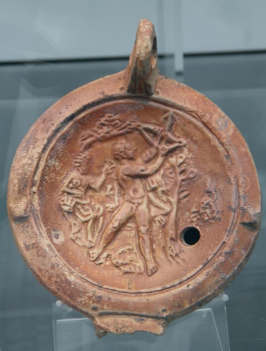 Clay oil lamp depicting Hercules defeating the Stymphalian Birds (the Sixth Labour)