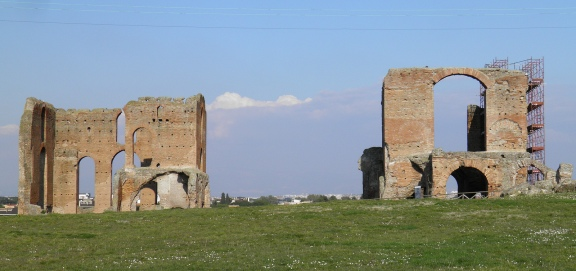The Bath house of the Villa of the Quintili, the caldarium (right) and the frigidarium (left) © Carole Raddato