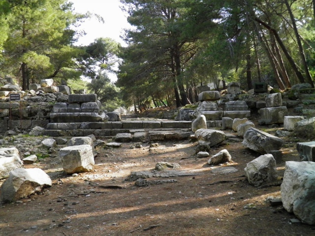 The ruins of Hadrian's Gate near the south harbour, Phaselis © Carole Raddato