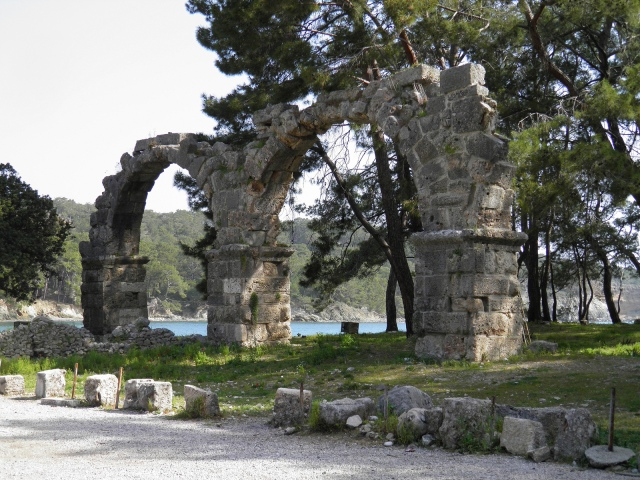 The ruins of the Roman aqueduct, Phaselis © Carole Raddato