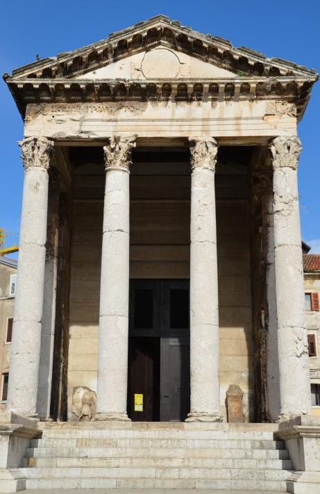 Temple of Augustus, Roman Forum of Pola © Carole Raddato