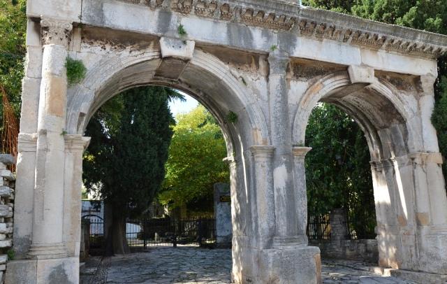The Twin Gates (Porta Gemina), Pula © Carole Raddato