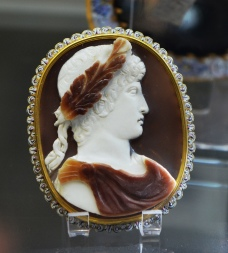 Sardonyx cameo of Antinous, ca. 130 AD, decorative mount of the late 17th century, Cabinet des médailles, Paris