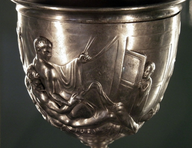 Warren Cup, front view of a man and youth © Carole Raddato