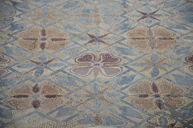 Mosaic floor in the House of the Fountains with floral and geometric patterns, Conimbriga, Lusitania, Portugal © Carole Raddato
