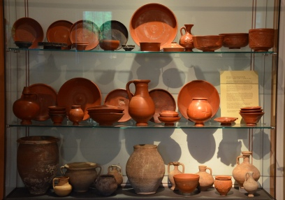 Terra sigillata ware displayed in the culina (kitchen), Pompeiianum, Aschaffenburg, Germany © Carole Raddato