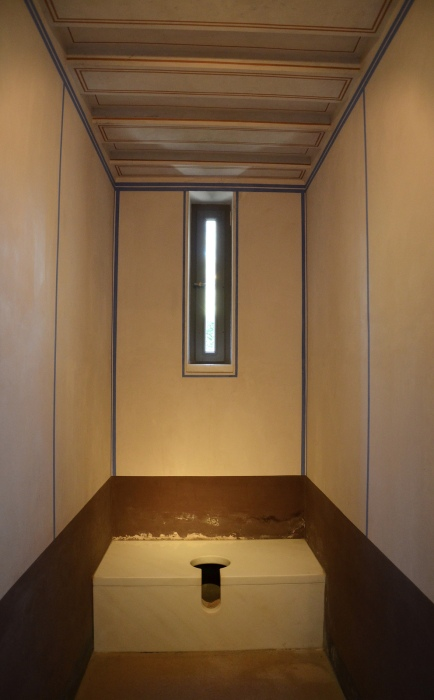 Reconstruction of a single latrine next to the culina (kitchen), Pompeiianum, Aschaffenburg, Germany © Carole Raddato