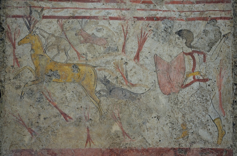 Lucanian fresco tomb painting depicting a hunting scene, 370-360 BC, Paestum Archaeological Museum