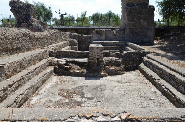 The natatio (swimming pool) of the bath complex, Minturnae © Carole Raddato