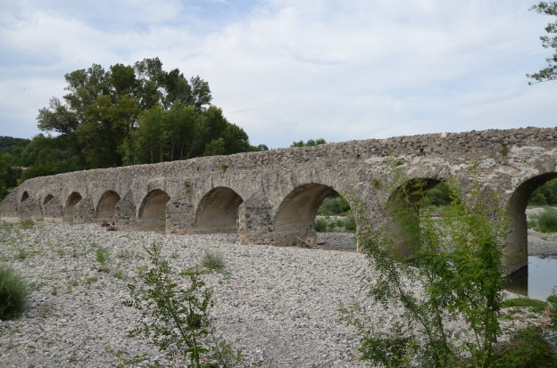 Pont romain de Viviers © Carole Raddato