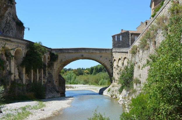 Roman bridge of Vasio Vocontiorum, Vaison-la-Romaine © Carole Raddato
