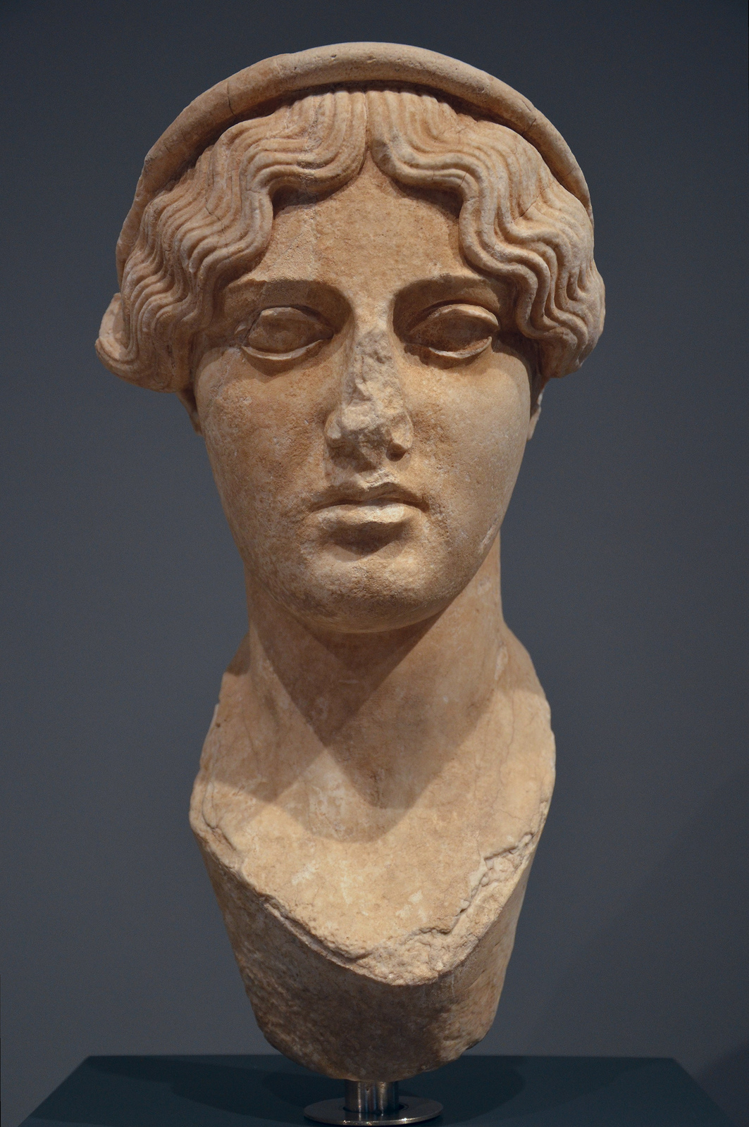 Art and sculptures from Hadrian's Villa: Head of a diademed goddess