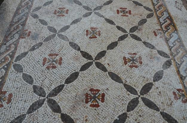 Mosaic with geometric motifs, Caesarea © Carole Raddato