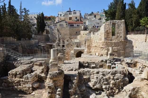 Excavations at the Pool of Bethesda showing the ruins of the Temple of Serapis with a column from an early Christian church, Aelia Capitolina © Carole Raddato