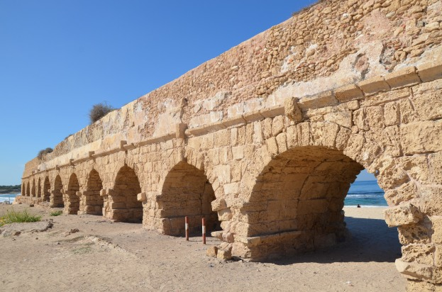 The high level aqueduct of Caesarea, Israel © Carole Raddato