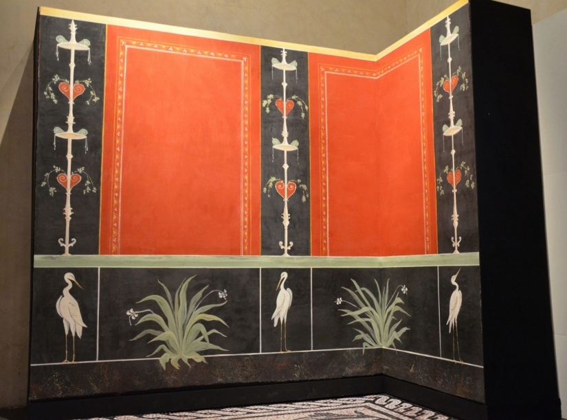 Replica of wall fresco from Vienna, recreated by two restorers using the same techniques used in ancient times 'Empire of colour - From Pompeii to Southern Gaul', Musée Saint-Raymond Toulouse Carole Raddato CC BY-SA