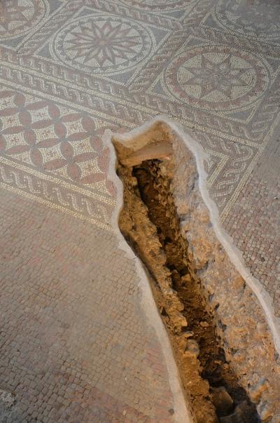 The exposed hypocaust under the mosaic, Verulamium, St Albans © Carole Raddato