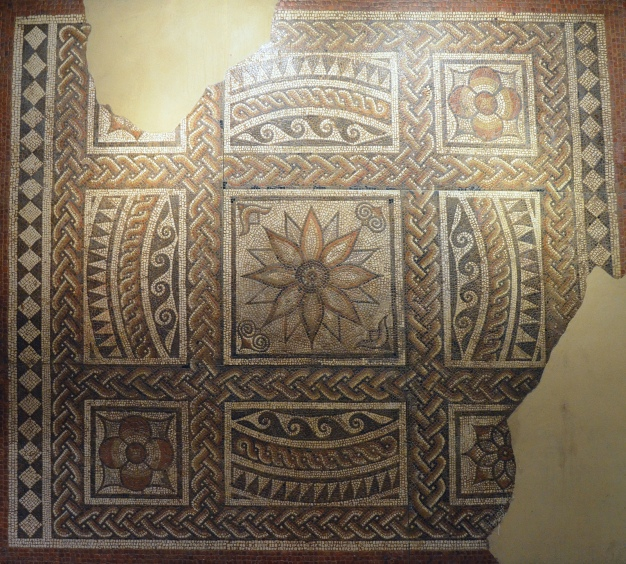 The Dahlia Mosaic with flower motif, 175-200 AD, Verulamium Museum, St Albans © Carole Raddato