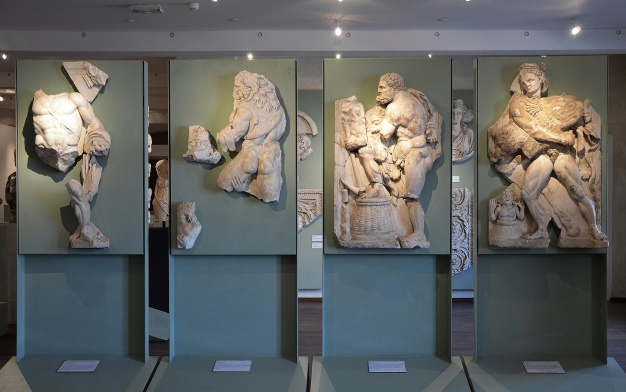 The Labours of Hercules, marble relief discovered at the site of the Roman villa of Chiragan, end of 3rd century AD, Musée Saint-Raymond Toulouse Carole Raddato CC BY-SA