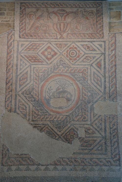 The Hare Mosaic, 4th century AD, Corinium Museum (Cirencester) Carole Raddato CC BY-SA