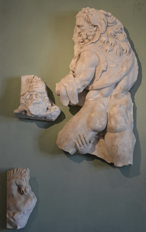 The Labours of Hercules, marble relief discovered at the site of the Roman villa of Chiragan, Heracles capturing the Mares of Diomedes (8th labour), end of 3rd century AD, Musée Saint-Raymond Toulouse Carole Raddato CC BY-SA