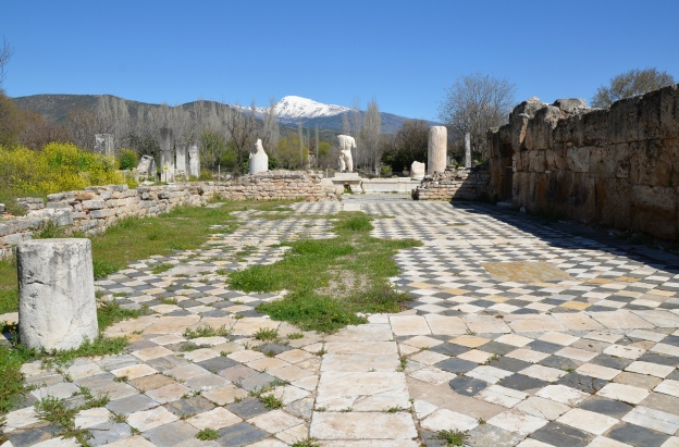 The apodyterium (changing room) of the Hadrianic Baths, Aphrodisias Carole Raddato CC BY-SA