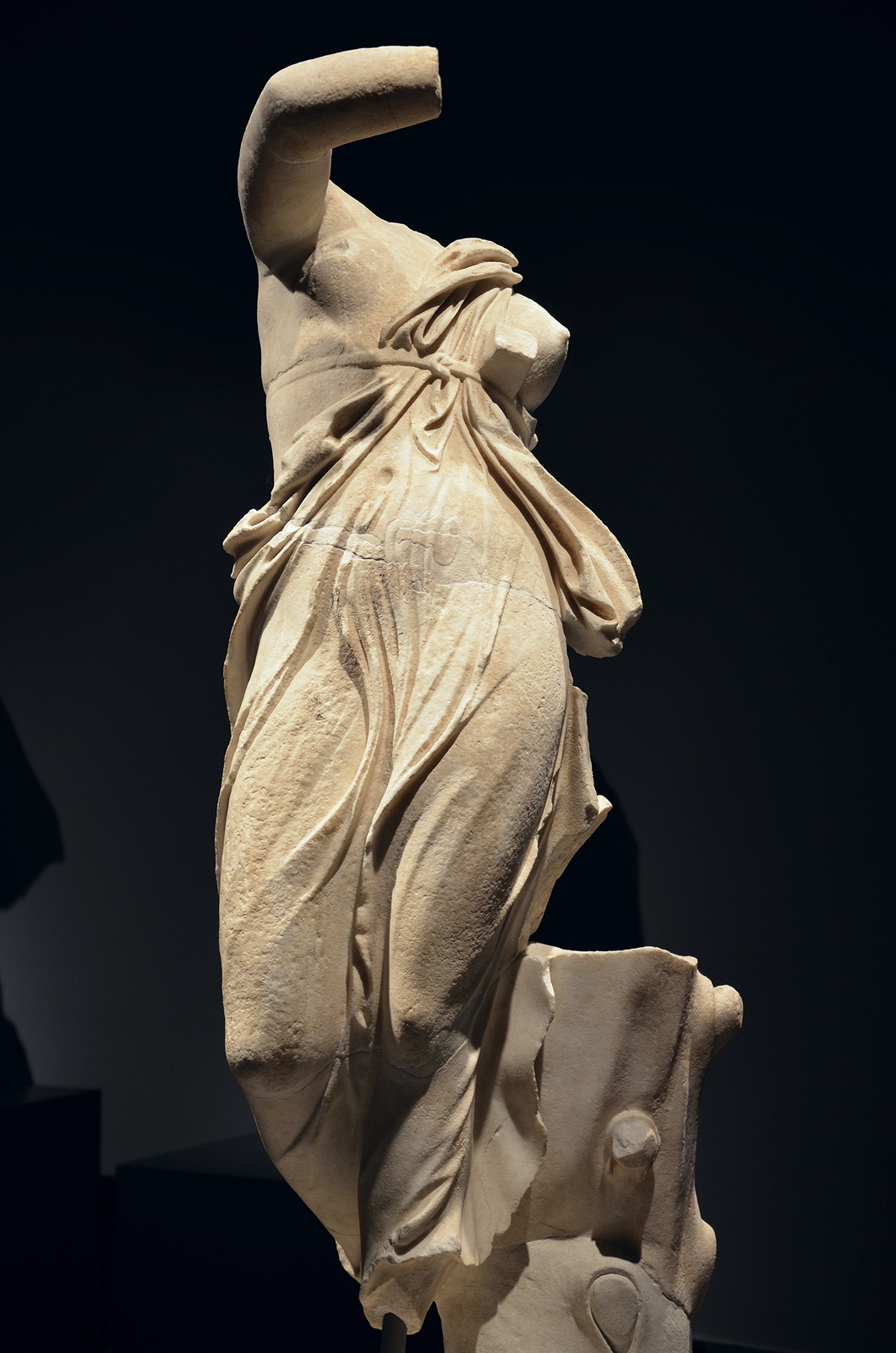 Art and sculptures from Hadrian's Villa: Marble statue of a dancing female figure