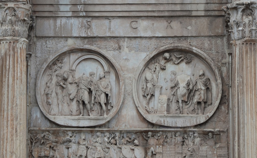 Tondi Adrianei on the Arch of Constantine, Southern side - left lateral, LEFT: Boar hunt, RIGHT: Sacrifice to Diana, Rome