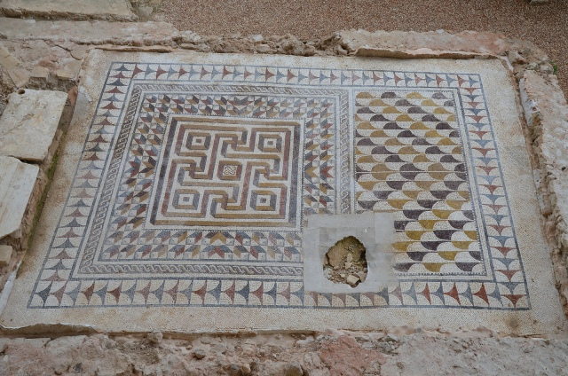 Geometric mosaic, 3rd–4th century CE. Image © Carole Raddato. Baetica mosaics.