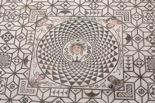 Medusa mosaic, Ayutamiento Carmona