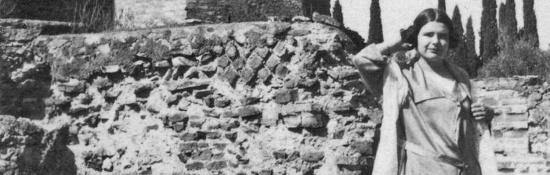 Marguerite Yourcenar in the ruins of Hadrian's Villa in 1924.